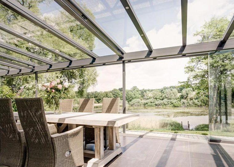 Terrassendach aus Glas und Alu